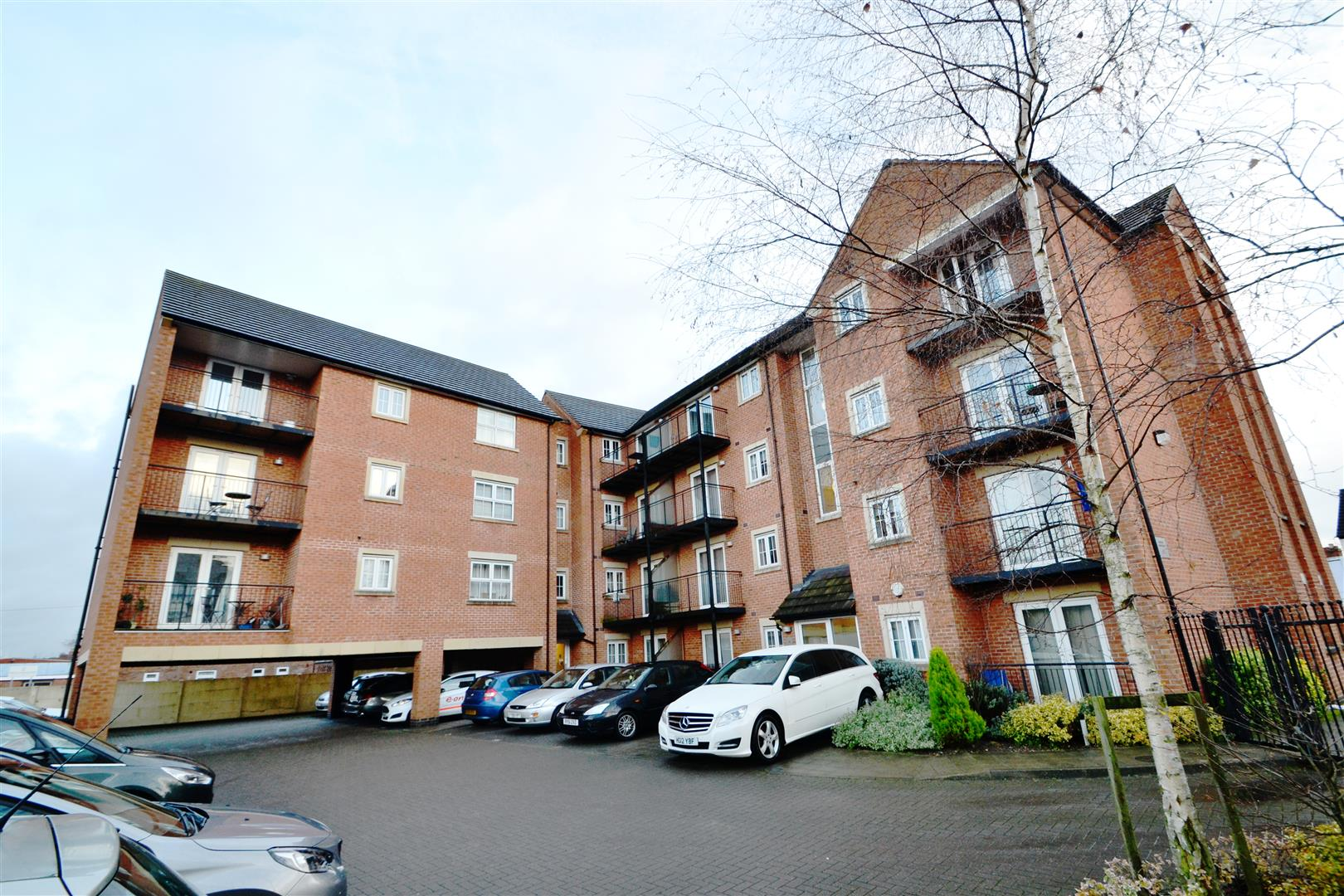 2 Bedrooms Apartment Flat for sale in Crown Aparments, Queen Street, Loughborough